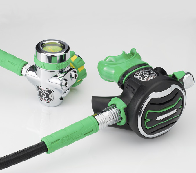 Apeks XTX200 Nitrox Regulator NEW Style