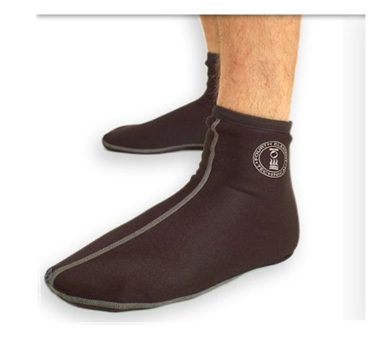 FOURTH ELEMENT HOT FOOT SOCKS